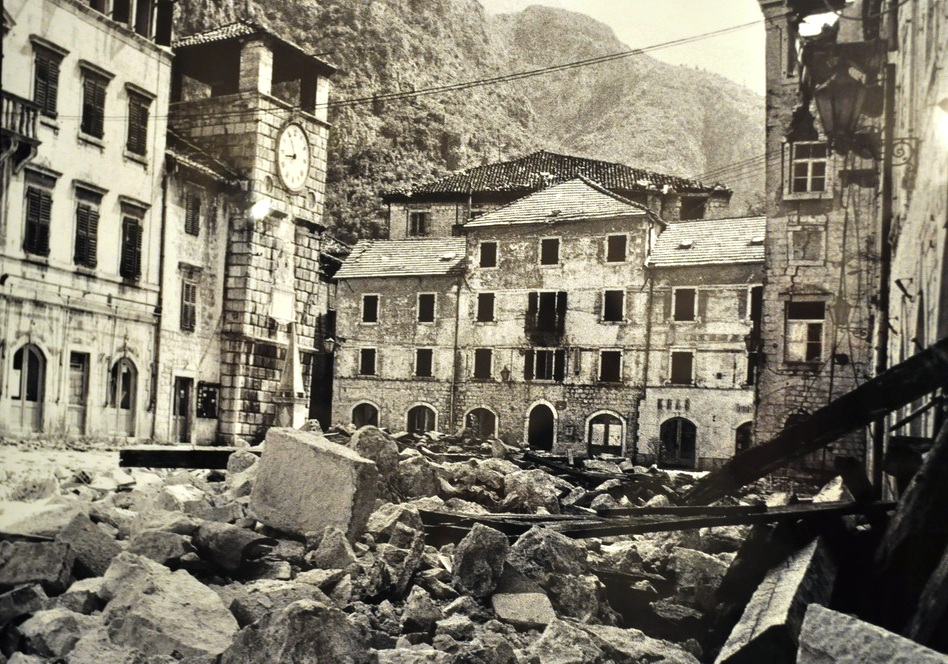 Kotor-after-earthquake-april-1979.JPG